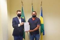 Defensoria do Estado de Rondônia faz doação de uma camionete a Câmara de vereadores de Candeias