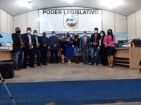 Poder Legislativo de Candeias do Jamari concede Moção de aplauso a professora e ex-diretora Rosineia Cirino